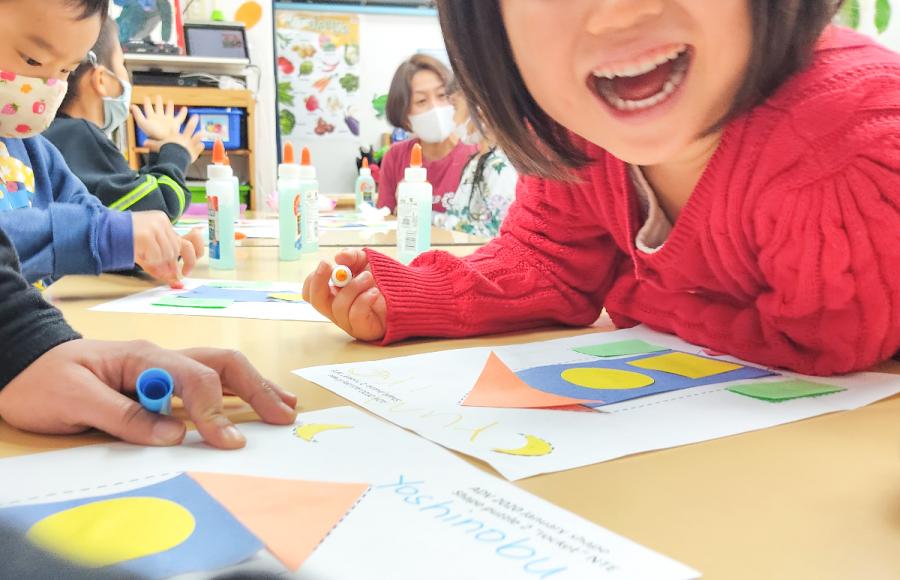 幼稚園 年少・年中で英語教室をお探しならアドバンスくらすがお勧め